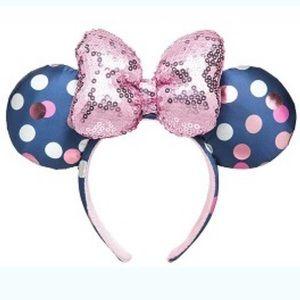 BNWT Minnie Ear Headband